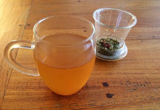 Tisanes boisson chaude infusion décoction bienfaits des plantes santé